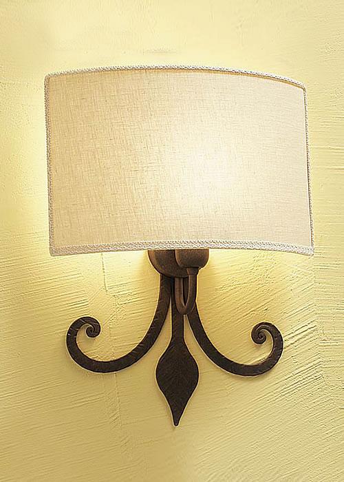 Applique ferro battuto con negozio illuminazione siena firenze - Applique da parete in ferro battuto ...